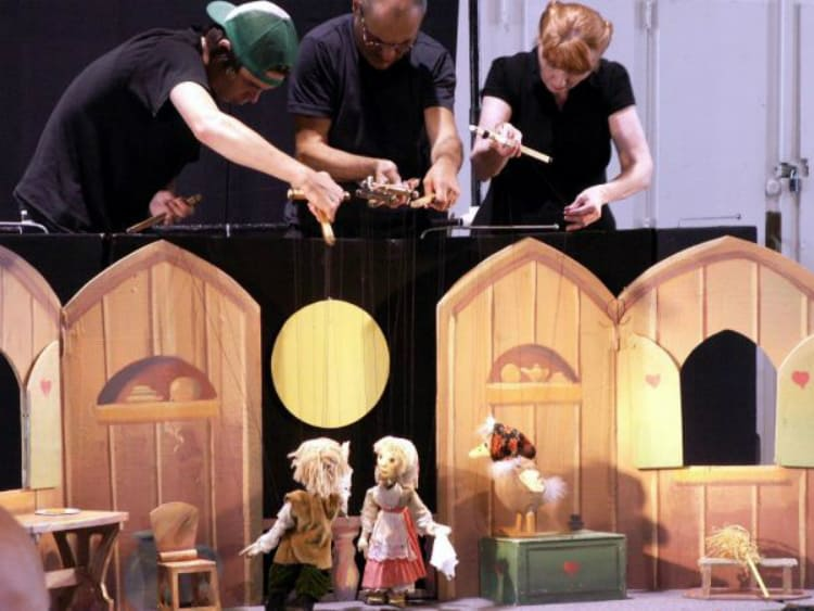 TheNational Capital Puppetry GuildandOffice of the Artsare collaborating to presenta series ofmonthly,family-friendly puppet shows at the Durant Arts Center in Alexandria, Virginia.